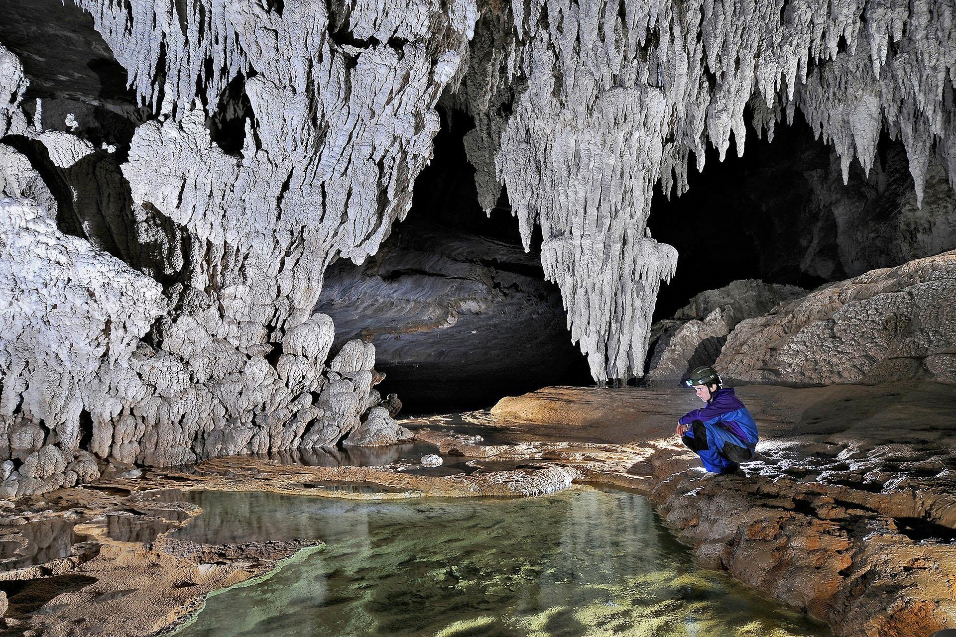 <a href='http://www.gambarini.art.br/produto/cavernas-do-brasil/'><span>Cavernas no Brasil<br /><small>R$ 120.00</small></span><br /><button href='http://www.gambarini.art.br/produto/cavernas-do-brasil/' class='button'>Comprar agora</button></a>